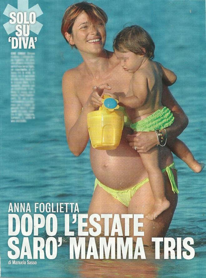 "Anna Foglietta col pancione in bikini: ""A ottobre sarò mamma tris"""